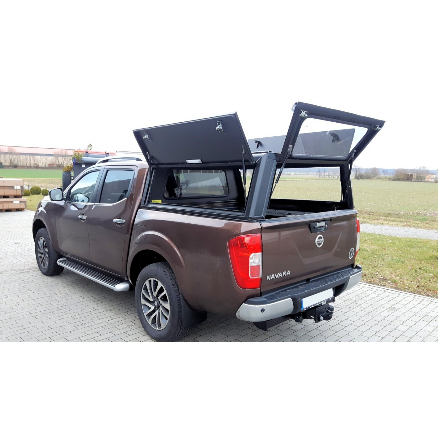 hard top alu cab nissan navara np300 d23 doppelkabine. Black Bedroom Furniture Sets. Home Design Ideas